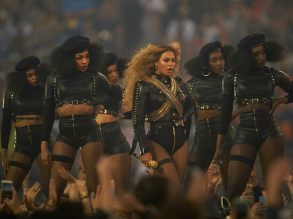 beyonce-formation-super-bowl-2016-show-getty